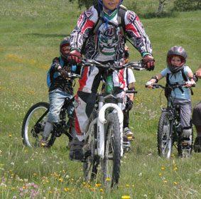 Stages multi-activités sportives Juniors et Ados – Fun Stages